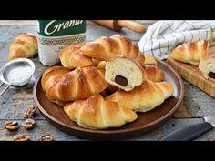 Fluffy Moldavian rolls with jam or chocolate Romanian Food, Pretzel Bites, Hot Dog Buns, Food Inspiration, Oreo, Recipies, Muffin, Rolls, Yummy Food