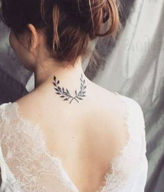 Apollo promises to wear laurels after Daphne is turned into a laurel tree Mini Tattoos, Leaf Tattoos, Body Art Tattoos, Small Tattoos, Laurel Tattoo, Laurel Wreath Tattoo, Future Tattoos, Tattoos For Guys, Tattoos For Women