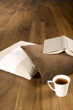 www.AlmaParket.nl vloeren Breda. Een houten vloer in de olie voor een mooi woon interieur.