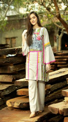 Zahra ahmad new party wear winter dresses for girls 2018 Stylish Dresses For Girls, Stylish Dress Designs, Designs For Dresses, Casual Dresses, Fashion Dresses, Girls Dresses, Women's Fashion, Indian Fashion, High Fashion