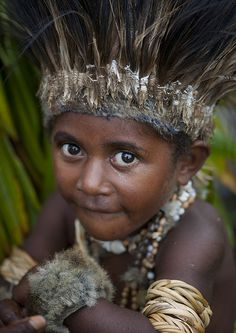 Child at Mount Hagen festival singsing, Papua New Guinea, photograph by Eric Lafforgue
