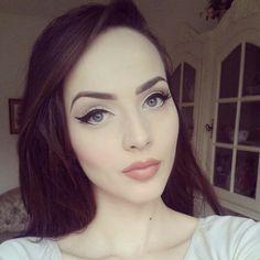 Aida Dapo. Great makeup! :)