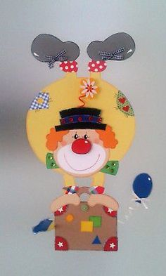 Window picture clown on suitcase - carnival- carnival decoration - cardboard box! - Window picture clown on suitcase – carnival- carnival decoration – cardboard box! Clown Crafts, Carnival Crafts, Carnival Decorations, Circus Theme, Circus Party, Diy And Crafts, Crafts For Kids, Arts And Crafts, Camera Crafts