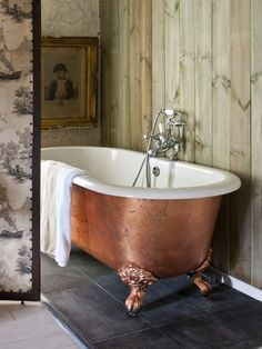 This gallery features beautiful bathrooms with clawfoot tubs. Below you'll find pictures of a variety of clawfoot bathtub styles so you can find the one you like best and is ideal for your space. Plywood Furniture, Painted Furniture, Home Furniture, Painted Walls, Roll Top Bath, Clawfoot Bathtub, Copper Bathtub, Freestanding Bathtub, Copper Sinks