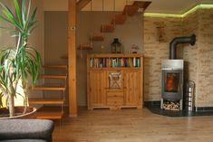 Kamin / Treppenaufgang zu den Schlafzimmern Entryway, Furniture, Home Decor, Bedroom, Living Room, Entrance, Homemade Home Decor, Door Entry, Home Furnishings