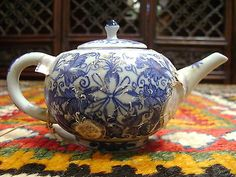 Antique-17th-C-Ming-Dynasty-marine-recovered-porcelain-underglazed-teapot