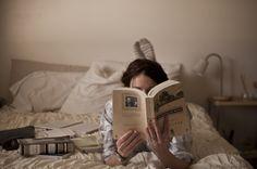 """bibliotecaerotica: """" el mejor libro, la mejor manera de leer un libro """" Beautiful Bookworms"""