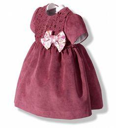 Vestido en pana fina granate para bebé