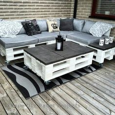 # Furniture # Pallets # Pallet Wood # Chairs # Pallet Furniture # Furniture # Pallets # Pallet Wood # Chairs # Pallet Furniture DIY Outdoor Cat Lounge - I have to do this for Pallet Garden Furniture, Diy Outdoor Furniture, Furniture Projects, Home Furniture, Wooden Furniture, Furniture Layout, Garden Pallet, Antique Furniture, Furniture Stores