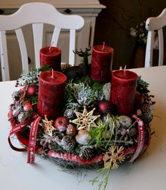 Atmospheric Christmas wreath in Scandinavian style. Next … - Christmas Pictures Christmas Advent Wreath, Christmas Candle Decorations, Christmas Wreaths To Make, Christmas Arrangements, Christmas Makes, Christmas Candles, Centerpiece Decorations, Christmas Home, Holiday Decor