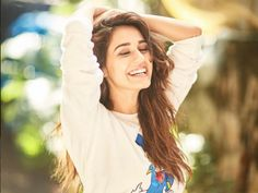 Disha Patani is Indian Bollywood actress and model. Disha works in Hindi and Telugu movies. Disha patani born in bareilly 13 June, Wallpapers, Photos. Indian Bollywood Actress, Bollywood Girls, Bollywood Fashion, Indian Actresses, Teen Actresses, Indian Celebrities, Bollywood Celebrities, Bollywood Actors, Beautiful Celebrities