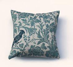 Kissen Papagei grün natur Kissenhülle 50 x 50 cm von kissenkönigin auf DaWanda.com