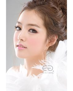 ♡Korean Wedding Make-up Hairstyle| Eun-Gi + Wedding Singapore| eungikoreaweddingsingapore.wordpress.com | www.eun-gi.com | +65 92429928| sgwedding@eun-gi.com| Like Us www.facebook.com/EungiKoreaWeddingEnglish ♡
