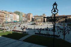 Pamplona: La ciudad histórica de los toros