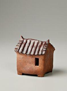 6월 19일(수)부터 6월24일(월)까지 인사동 나눔 갤러리에서 개인전합니다. 이번 작업을 통해서 몸도 마음도... Flower Paper, Hand Built Pottery, Ceramic Houses, City Illustration, Miniature Houses, Metal Casting, Little Houses, Decorative Boxes, Projects To Try