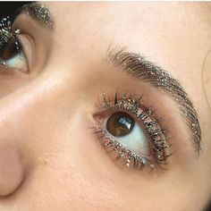 Glitter Brow + Mascara Look