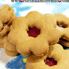 cucinaamoremio: Biscottini Linzerini Menu, Cookies, Cake, Desserts, Food, Menu Board Design, Crack Crackers, Tailgate Desserts, Deserts