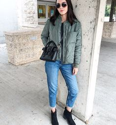 Bomber season.🍃💚 #love #fallfashion #ootd #ootn #wiw #wiwt #whatiwore #whatiworetoday #lotd #lookoftheday #ootdshare #ootdwatch #outfitpost #fashiongram #stylegram #fashionstyle #instastyle #blogger #styleblogger #style #styleblog #streetstyle #streetwear #streetfashion #fashion #instafashion #fashionblogger #fashionblog #fblogger