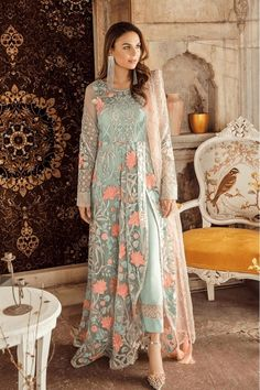 Buy Imrozia Kaavish-E-Musavvir Luxury Chiffon Collection 2019 – 804 Jalwa-e-Husn featuring Minal Khan at YourLibaas. Shop online for Pakistani Party Wear Chiffon Suits. ✓ Cash On Delivery ✓ Original Pakistani Dress Pakistani Party Wear, Indian Party Wear, Pakistani Dress Design, Pakistani Outfits, Indian Outfits, Pakistani Clothing, Pakistani Gowns, Pakistani Designer Clothes, Western Outfits