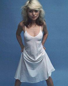 another world - forever-blondie: Debbie Harry, 1977 Blondie Debbie Harry, Harry Rocks, Chris Stein, Women Of Rock, Punk, Female Singers, Blondies, Poses, Celebs