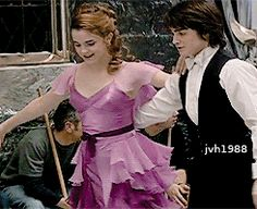 """ Goblet of Fire, bts. "" The Yule Ball, behind the scenes. Harry And Hermione, Harry Potter Tumblr, Cute Harry Potter, Harry Potter Artwork, Harry Potter Icons, Mundo Harry Potter, Harry Potter Pictures, Harry Potter Jokes, Harry Potter Cast"