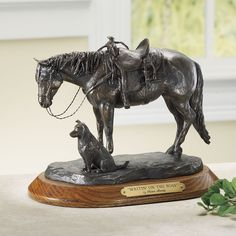 Waiting on the Boss Sculpture - Horse Themed Gifts, Clothing, Jewelry & Accessories all for Horse Lovers Toys For Horses, Horse Themed Bedrooms, Westerns, Equestrian Decor, Horse Sculpture, Bronze Sculpture, Bear Decor, Animal Statues, Western Art