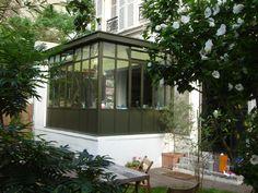 Veranda en acier Atelier d'artiste : equilibre facade pas heureux forte maçonnerie + structure véranda par dessus