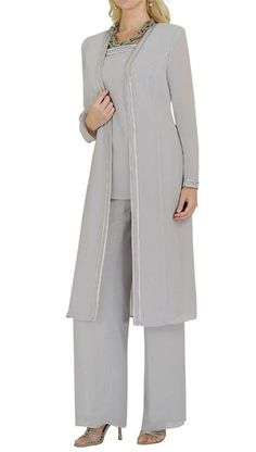 Are you searching for a cute mother of the bride dress? You should take a look at this Formal Outfit Pants Suits Mother's of The Bride Dress. Mother Of The Bride Trouser Suits, Mother Of Bride Outfits, Mother Of Groom Dresses, Bride Groom Dress, Bride Dresses, Wedding Dresses, Formal Pant Suits, Wedding Pantsuit, Chiffon Pants