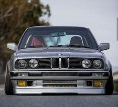BMW E30 3 series grey slammed
