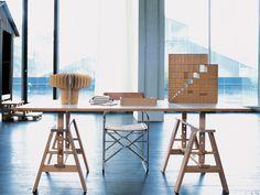 Architectural trestle work table by Archille Castiglioni. Leonardo table