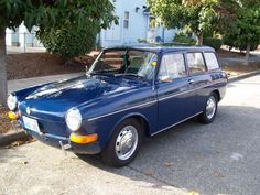 Type III Squareback, 1970, named Henrich. Frontal view. Very jaunty.