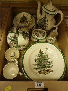 Spode 'Christmas Tree' dinner and coffee service - 6 place settings in one box Christmas China, Spode Christmas Tree, Christmas Dishes, All Things Christmas, Christmas Home, Christmas Dining Table, Christmas Table Settings, Christmas Table Decorations, Cheap Coffee Mugs