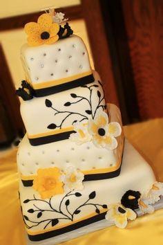tarta-de-boda-amarilla-con-flores-negras.jpg (362×544)