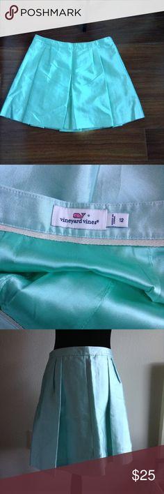 Vineyard Vines Silk Pleated Skirt This skirt is NWOT size 12, sky blue, pleated Vineyard Vines Skirts A-Line or Full