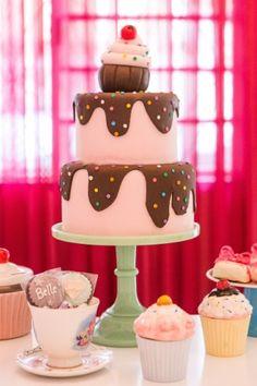 Resultado de imagem para bolos decorados com pasta americana