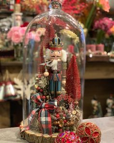 Modern Christmas, Christmas 2019, Christmas Diy, Christmas Bulbs, Xmas, Christmas Tree Decorations Ribbon, Flower Boxes, Diy And Crafts, Centerpieces