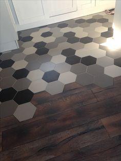 Tegel segi enam Honeycomb Tile, Hexagon Tiles, Kitchen Tiles, Kitchen Flooring, Tiles Price, Black And White Tiles, Rubber Flooring, Living Room Flooring, Wall And Floor Tiles