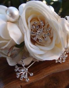 7.00 SALE PRICE! Add instant elegance to your bouquets, corsages, and boutonnieres by adorning with one of these crystal starburst pins. Place in the center ...