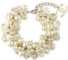 Photo elle-chanel-pearl-necklace-s13-kS7g8a-xln.jpg