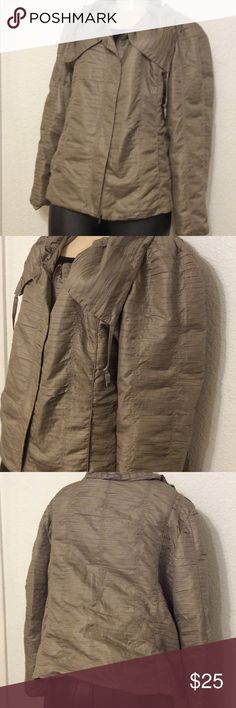 Chico's windbreaker size 3 Size 3  fits someone size M or L.   Thank you for looking, please check out my other items. Chico's Jackets & Coats