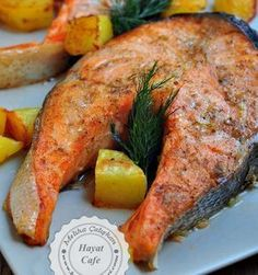 Baked Salmon - Hayat Cafe Easy Recipes - Ahh, I don't know . - Baked Salmon – Hayat Cafe Easy Recipes – Ahh, I don't know how I love salmon fish. I don't get tired if I eat every day. Shellfish Recipes, Seafood Recipes, New Recipes, Low Carb Recipes, Healthy Recipes, Cafe Recipes, Recipes Dinner, Healthy Meals, Gourmet