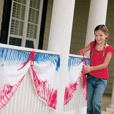 Tie-dyed Fourth of July Bunting- great project for some muslin and a 4th of July Tie-Dye kit