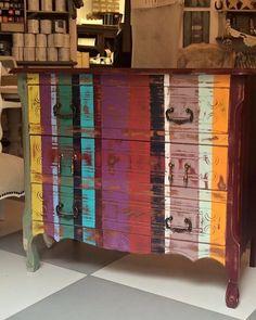 Autentico Paint - Mueble pintado con Autentico chalk paint por Old White Chalk paints #autenticopaintspain #autenticochalkpaint #chalkpaintes #autenticospain #autenticopaint #pinturanatural #ecofriendly #naturalpaint #chalkpaint