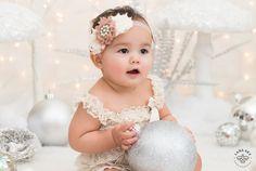 Little Kitten – White Christmas Mini-Session - Seattle Children Photography