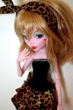 eBay | Roxanne ~ OOAK Monster High doll repaint custom Draculaura skull shores