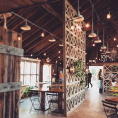 What about a special place to have your meal like a vintage industrial bar or restaurant? Decoration Restaurant, Deco Restaurant, Rustic Restaurant, Pub Decor, Wood Cafe, Industrial Cafe, Vintage Industrial Decor, Industrial Bedroom, Vintage Lighting