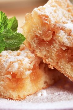 Cinnamon and Brown Sugar Apple Squares Dessert #Recipe