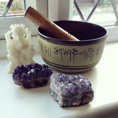 One of the first things you should learn when you begin working with crystals is how to cleanse crystals. This is not physical cleaning I am talking about but how to energetically cleanse them.