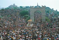 On the last Sunday in April, the people of Andújar, in the province of Jaén, take part in the Romería de Andújar - a mass pilgrimage to the shrine of the Virgen de la Cabeza.