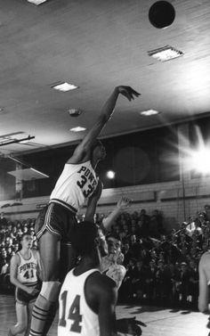 Lew Alcindor, durante su etapa en el baloncesto escolar en Nueva York